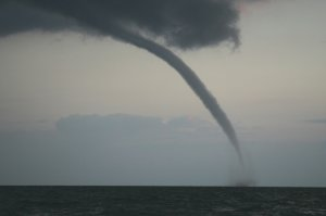 waterspout-1jpg-cb3e2e041a121095