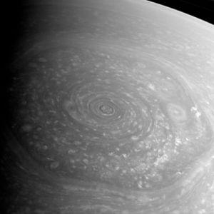Saturn_north_polar_hexagon_2012-11-27