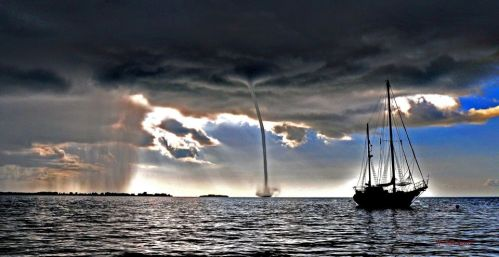 Waterspout ps