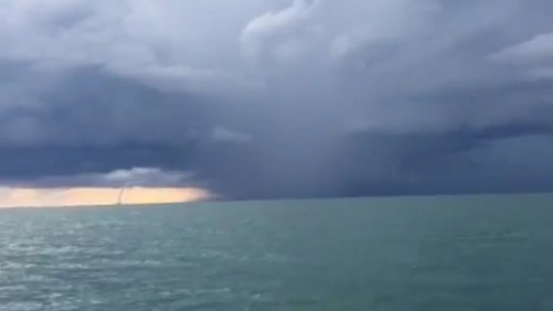Viewer-video-Waterspout-off-Naples-6-7-15_thumb671